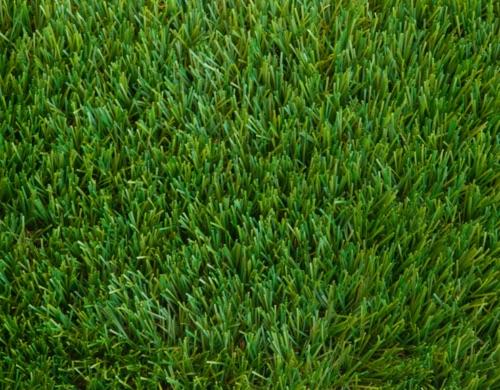 Erba sintetica verde ideale per giardini e terrazzi