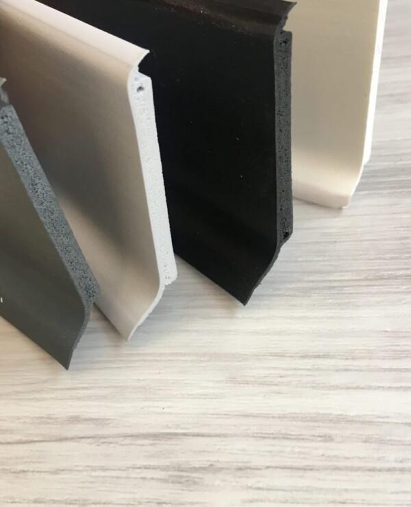 battiscopa zoccolino in PVC espanso, nero, grigio, bianco